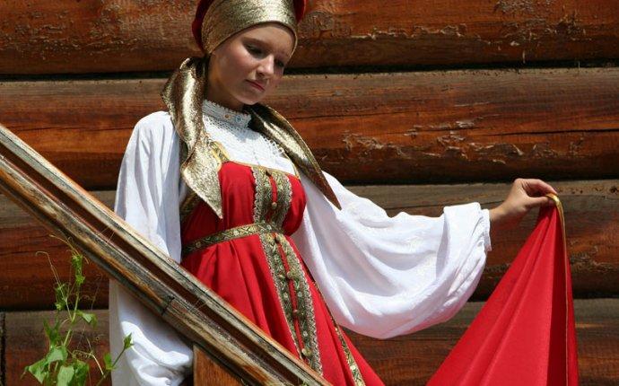 Фотографии из коллекции Лидии Мельниковой «Русский народный костюм