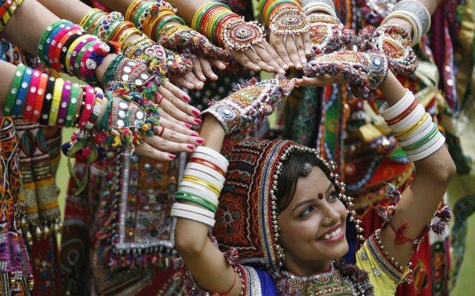 Индийский магазин - Сари, Чели и Индийская одежда в Москве