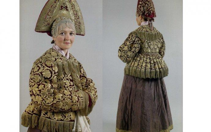 Коллекция русской народной одежды. Фото