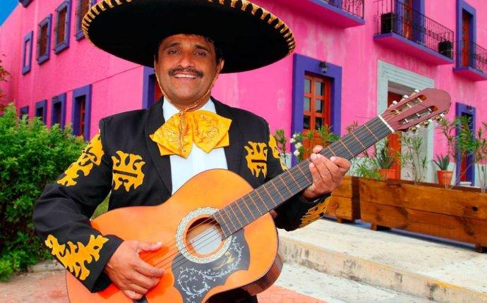 Мексиканский стиль в одежде - богатство цвета и экзотических узоров