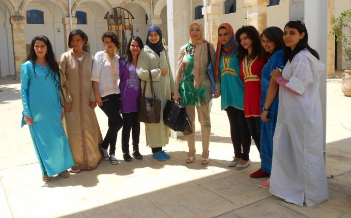 Национальная одежда Туниса » Монастир Тунис. Все про отдых в