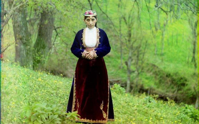 Национальные армянские костюмы