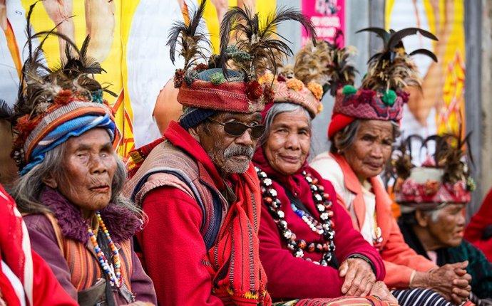Национальные костюмы народов мира: описание + фото | Рамблер