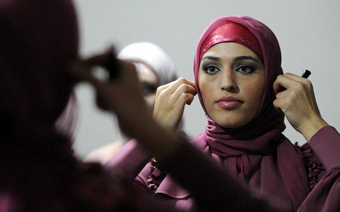 Показ мусульманской одежды модного дома Firdaws. Фото » ИА Чеченинфо