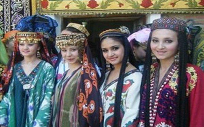 Узбекская национальная одежда » Milliy istiqlol g`oyasi » Slayd