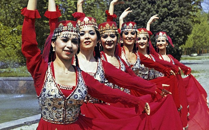В Ташкенте пройдет выставка национальной узбекской одежды