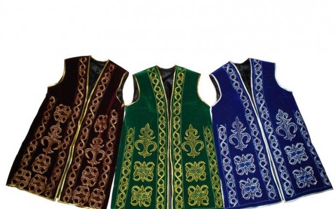 Женская казахская национальная одежда